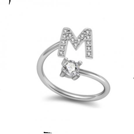 טבעת כסף עם אות באנגלית