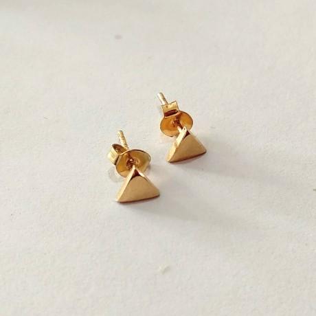 עגילים צמודים בצורת משולש - ציפוי זהב
